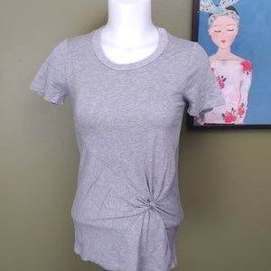 Splendid XS knotted front gray tee